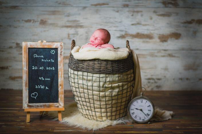Szenisches Newbornshooting