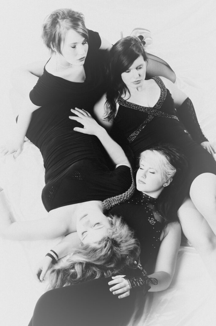 Four-Girls-9271.jpg